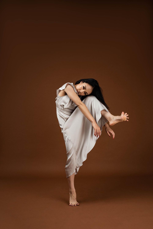 【卒業生の活躍】ダンス学科卒業生 上條史織さんが世界的な振付師の大会「カペジオ・エース・アワード2020」でファイナリストに選ばれました!